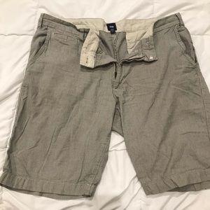Men's shorts Sz 35 Gap